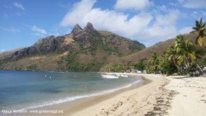 Il villaggio di Nalauwaki, Waya, Isole Yasawa, Figi. Autore e Copyright Marco Ramerini