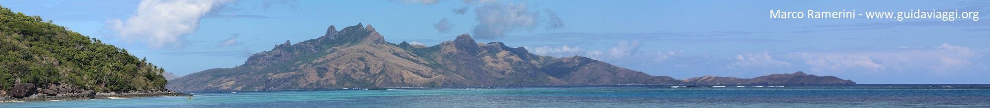Le montagne dell'isola di Waya, Isole Yasawa, Figi. Autore e Copyright Marco Ramerini
