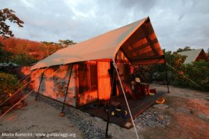 Le tende safari, Kuata, Isole Yasawa, Figi. Autore e Copyright Marco Ramerini