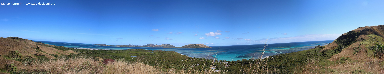 Panoramica della Blue Lagoon Beach, Nacula Island, Isole Yasawa, Figi. Autore e Copyright Marco Ramerini