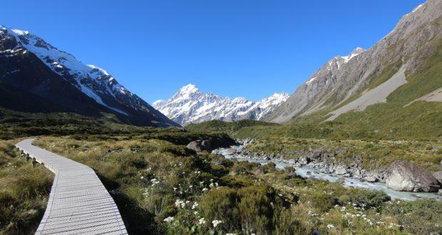 Passerella, Hooker Valley Track, Nuova Zelanda. Autore e Copyright Marco Ramerini