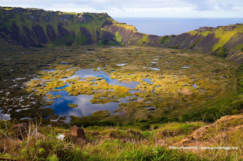 Rano Kau, Isola di Pasqua, Cile. Autore e Copyright Marco Ramerini