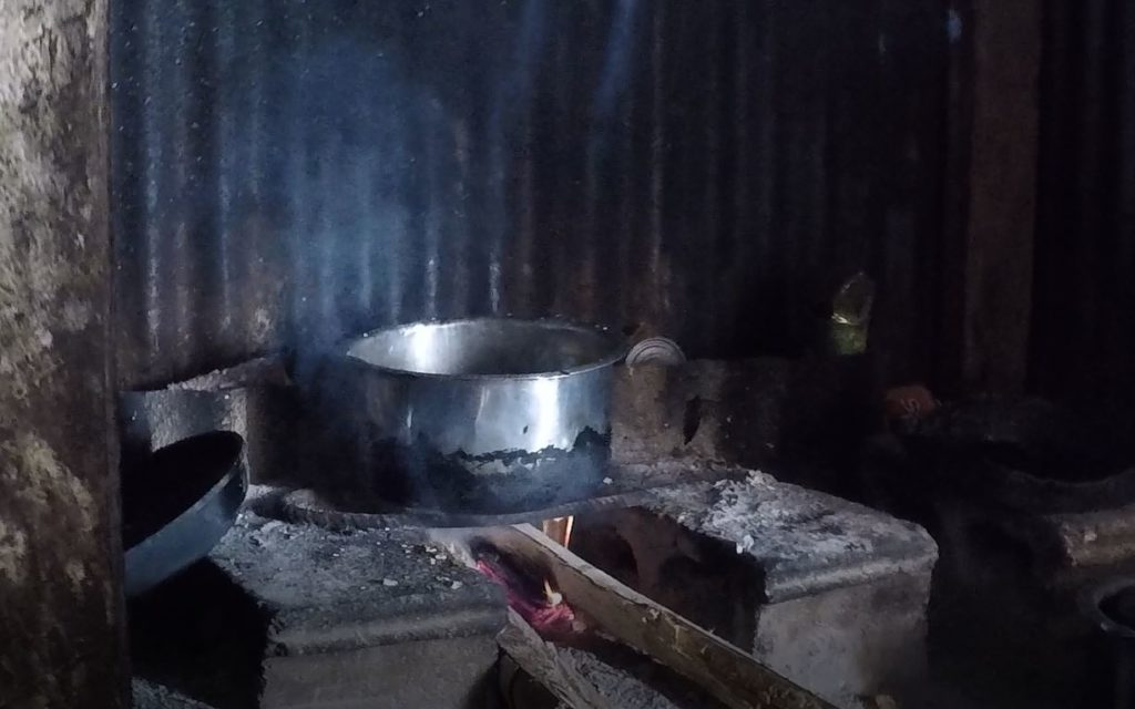 Tipica cucina di una casa figiana. Autore e Copyright Marco Ramerini