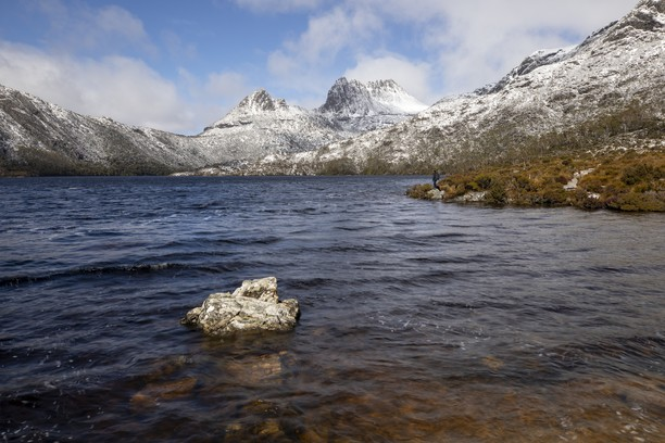 Dove Lake, Cradle Mountain, Tasmania, Australia. Credit Tourism Australia.