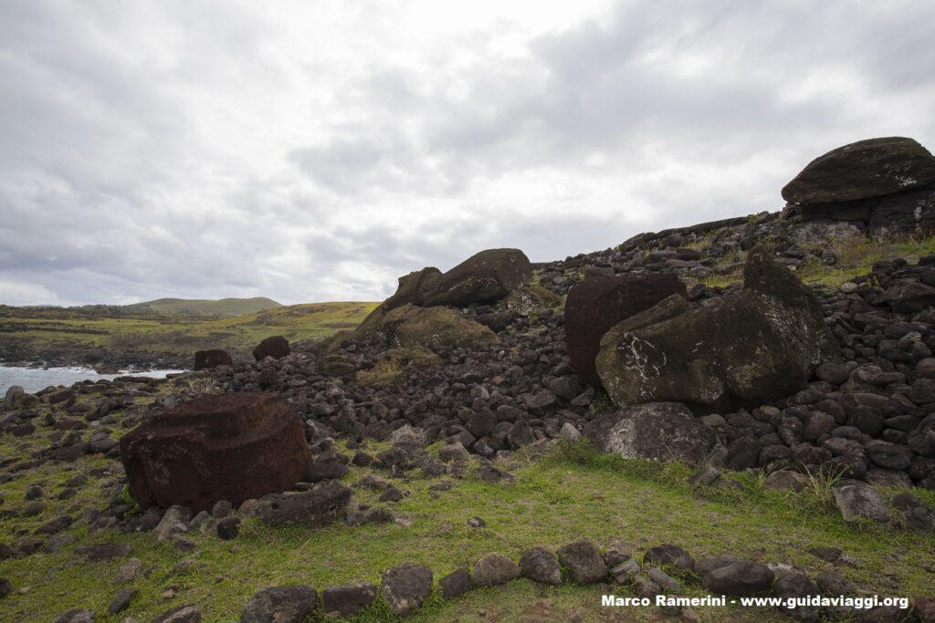 Ahu Akahanga, Isola di Pasqua, Cile. Autore e Copyright Marco Ramerini,