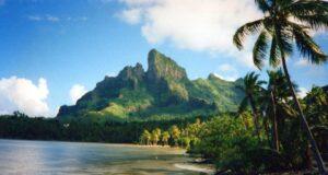 Bora Bora, Polinesia Francese. Autore e Copyright Marco Ramerini.
